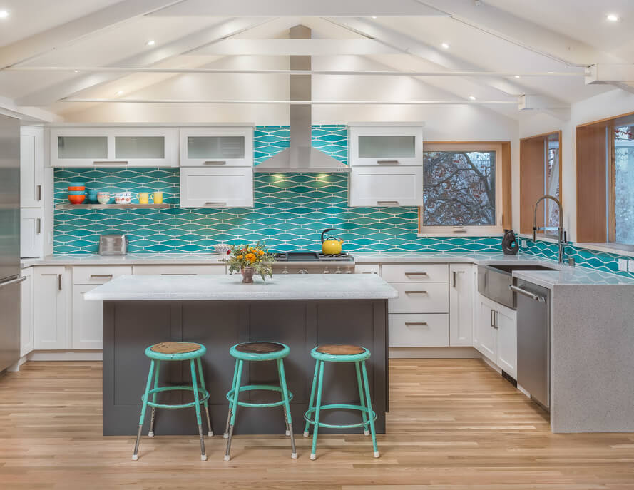Dura Supreme kitchen design by Fernanda Conrad of K&W Interiors, Inc., Alaska, install by Allright Remodel, and photography by DMD Real Estate Photography.