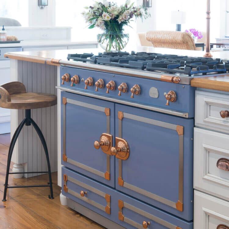 Dura Supreme Cabinetry kitchen design by Jenny Rausch of Karr Bick Kitchen & Bath. Photo by Studio 10Seven.